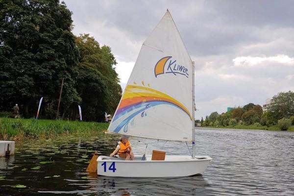 Indywidualne szkolenie żeglarskie Optymist